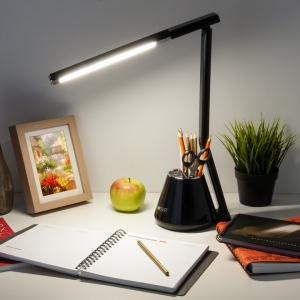 Настольная лампа офисная Eurosvet Office 80421/1 черный 8W